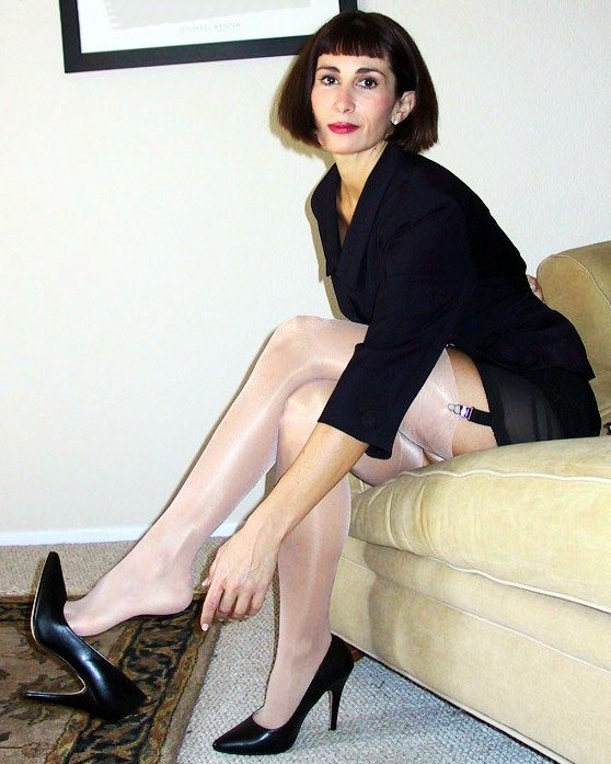 What a fine legs you have!! Now, I confess my long-cherished desire to